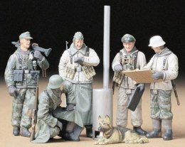 1/35 German Soldiers at Field Briefing